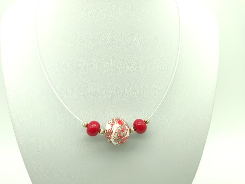 Collier boule rouge kaki