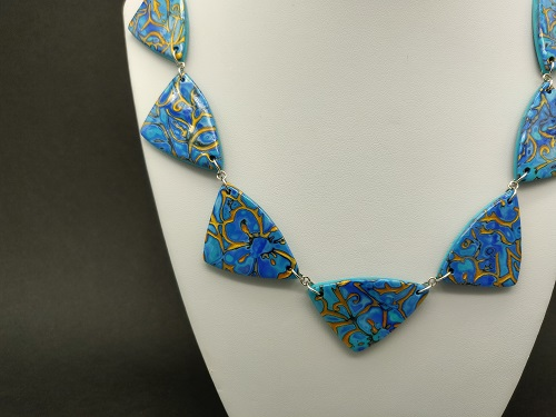 Collier turquoise bleu vif or triangle