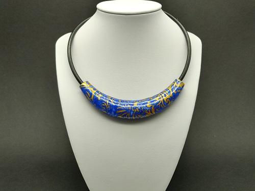 Torque bleu vif, or